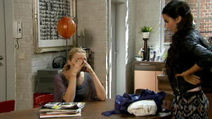 Ayla will Emily ins Gewissen reden