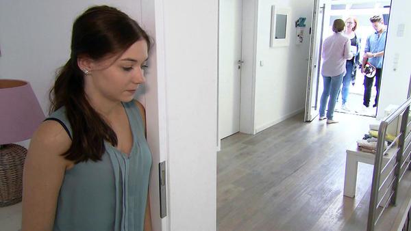 Nora allein zu Haus